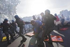 scontri manifestazione